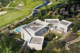 Spacious and modern 7 bedroom Villa in a bespoke...